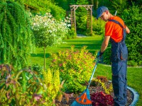 EVID_giardinieri-parco-manutenzione